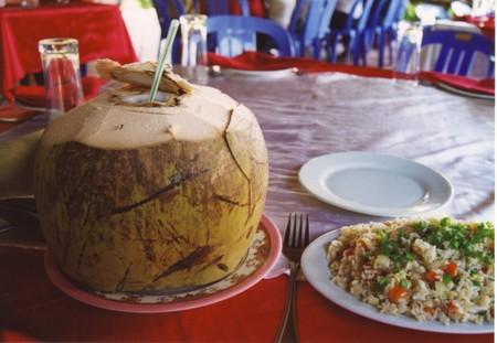 Coconut_in_kbal_spean