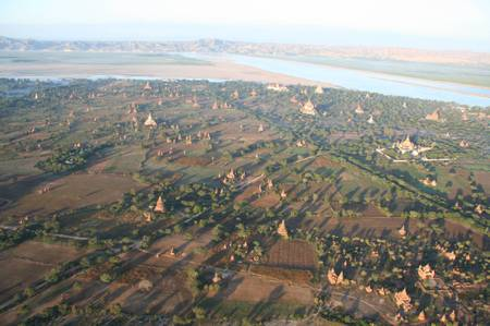 Bagan_from_hot_ballon
