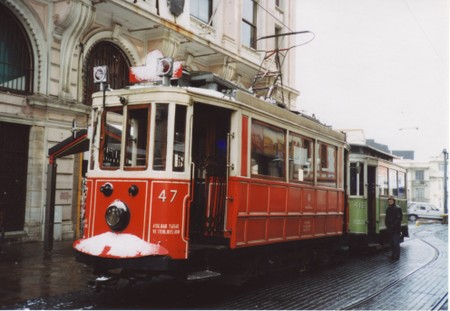 Tram_in_new_city_of_istanbul