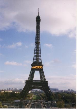 Eiffel_tower_in_2000