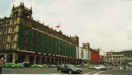 Zocalo_in_mexico_city