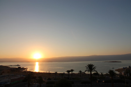 Sunrise_at_the_dead_sea