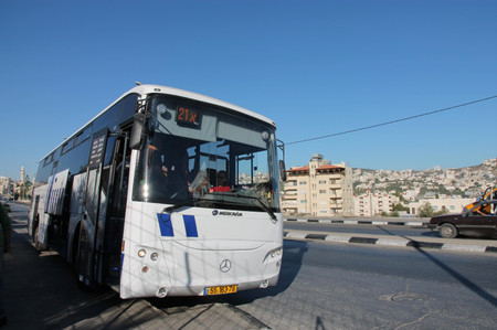 Bus_from_bethlehem_to_jerusalem