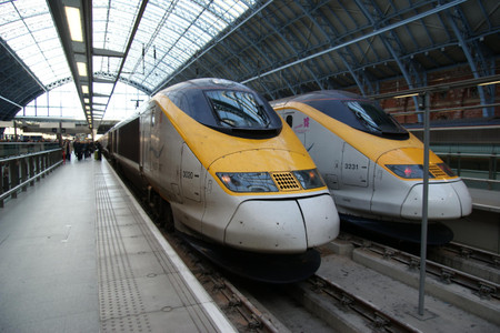 Eurostar_at_london_st_pancrass_inte