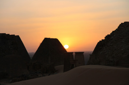 Sunset_in_meroe