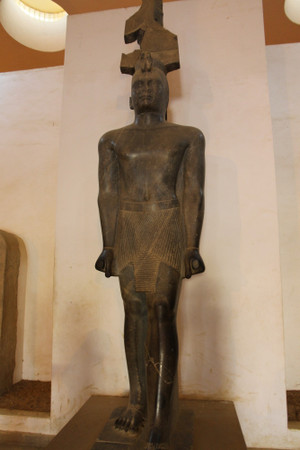 Statue_of_king_taharqa