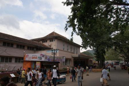 Kandy_central_market_1