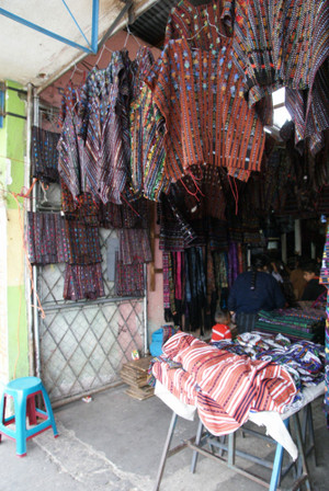 Market_in_solola_2