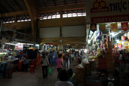 Ben_thanh_market_in_ho_chi_minh_c_2