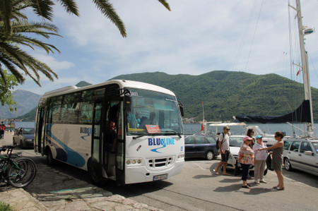 Bus_from_kotor_in_perast