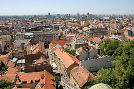 Zagreb_from_lotrscak_tower