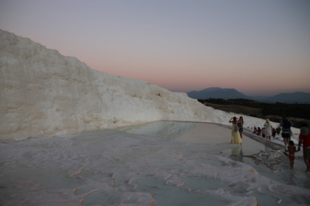 White_dark_in_pamukkale