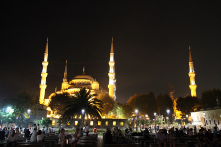 Sultanahmet_camil_at_night_in_istan