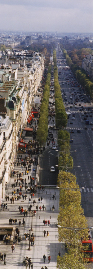 Champselysees_from_the_top_of_the_a