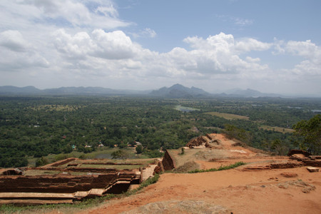View_from_top_of_the_sigiriya_rock