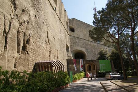Castel_santelmo_in_napoli