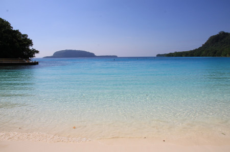 Champagne_beach_in_santo_island