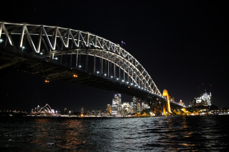 Sydney_harbour_bridge_at_night