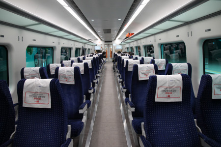 Interior_of_arex_express