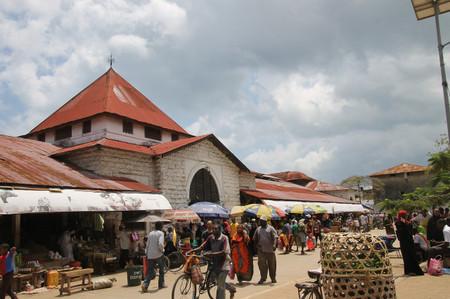 Market_in_zanzibar