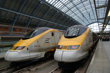 Eurostar_at_london_st_pancras_inter