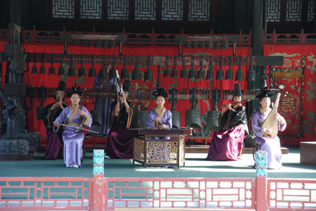 Chinese_band_at_the_summer_palace_i