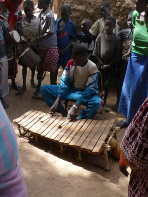 Balafon_in_ganga_village_in_mali