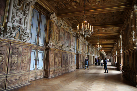 Gallery_of_francis_i_in_palace_of_f