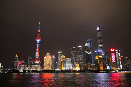 Pudong_at_night