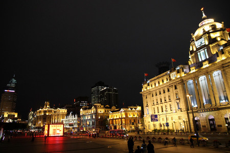 The_bund_at_night