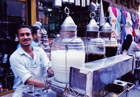 Tamarind_juice_at_khan_alkhalili_in