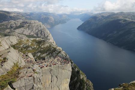Preikestolen_in_lysefjord