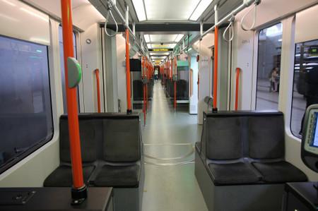 Inside_of_bergen_light_rail