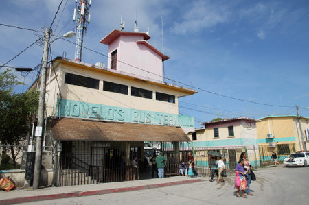 Novelos_bus_terminal_in_belize_city