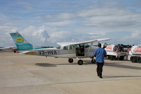 Plane_at_belize_city
