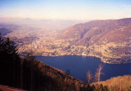 Lake_como_from_mt_brunate