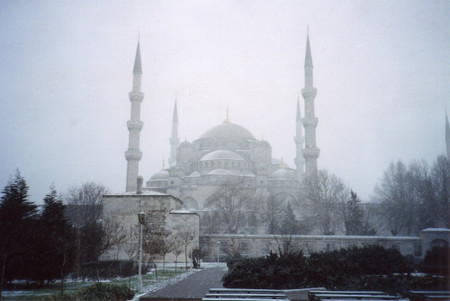 Sultanahmet_camil_in_istanbul_in_fe