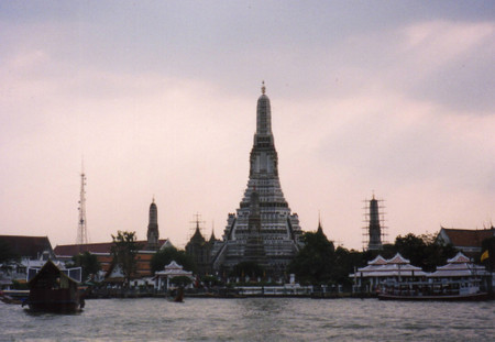Wat_arun_from_tha_tian_in_jan_1999
