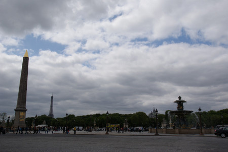Place_de_la_concorde_in_paris_in_ma