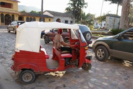 Tuktuk-in-copan-ruinas