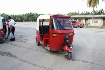 Tuktuk-in-quirigua